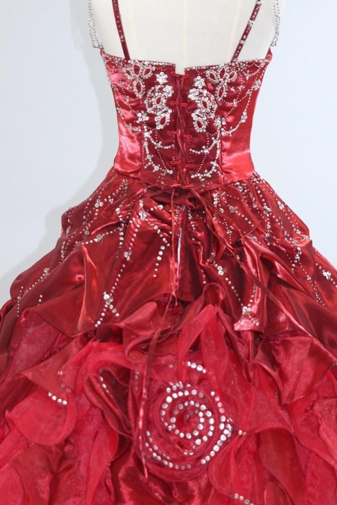 №76 レッドカラードレス