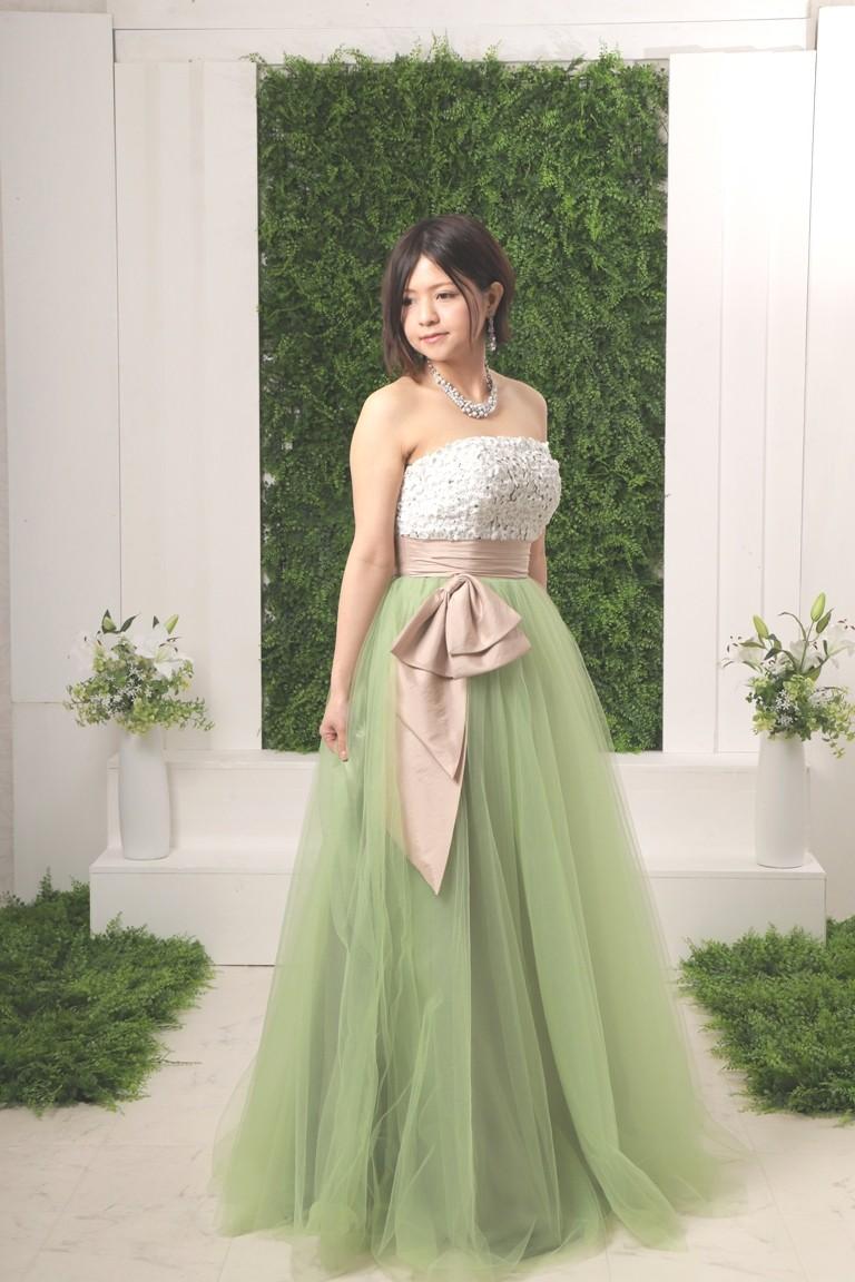 花モチーフグリーンカラードレス