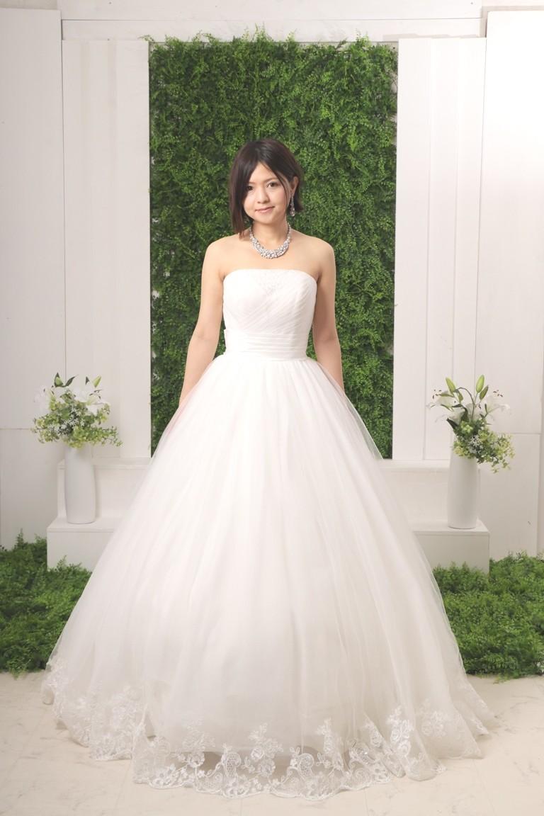 №514 ロングトレーンウエディングドレス